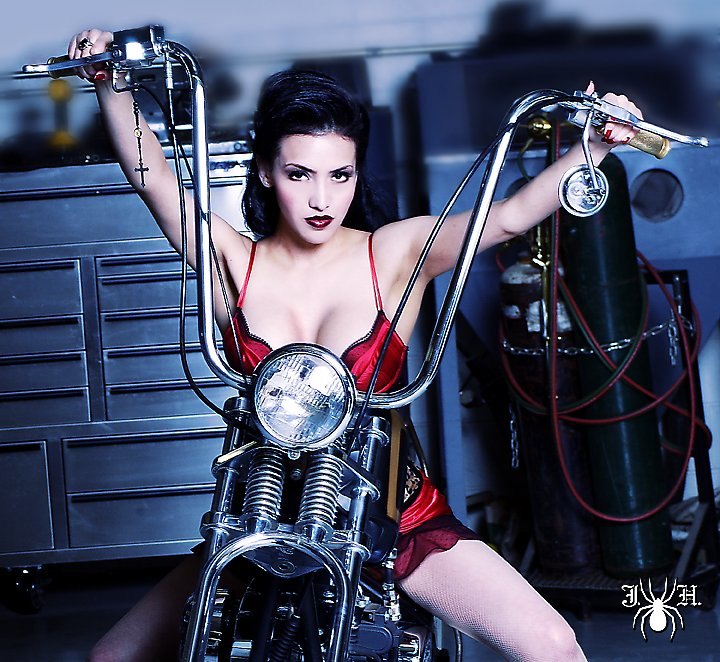 Frenchy La Femme Pinup model - hot rod pinups