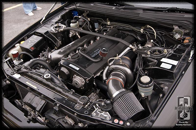 Skyline RB25DET motor