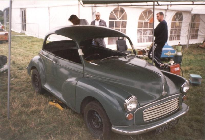 Morris Minor Kustom hot rod -before chop