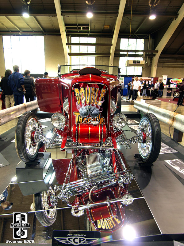 wicked 1932 Ford Roadster show car and drag racer