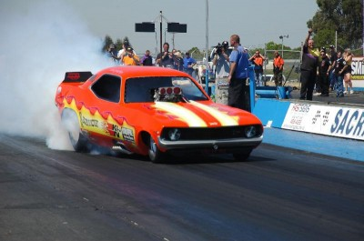 Nostalgia Funny Car: Burn Money doing a burn out