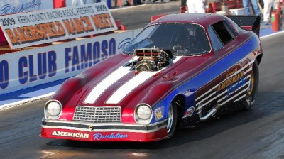 "Nostalgia Funny Car, ""American Revolution"" drag racing"