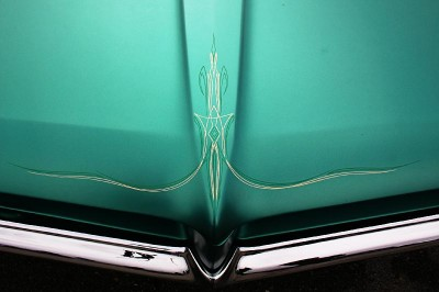 Pinstriping Art: Pinstriping on the hood