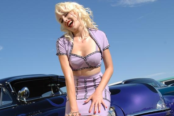 Zoe Scarlett, Pinup, hot rod pin up