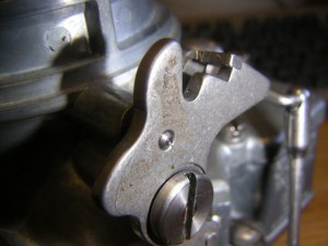 Hot rod how-to: Stromburg 97 choke lock installed