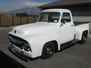 The guinea pig, a very clean 1950s Ford F1