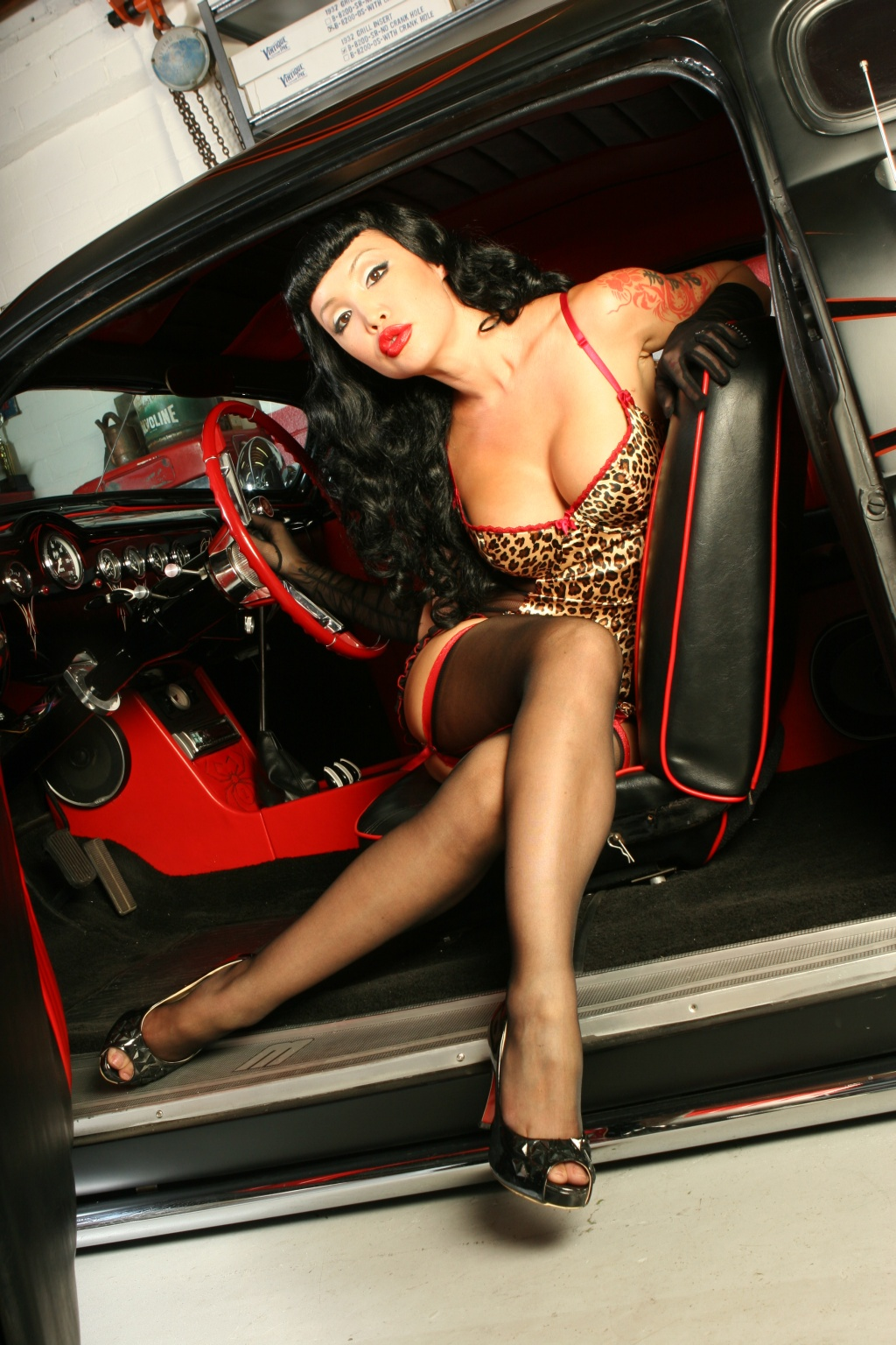 sexy pinup girl masuimi max and cool kustom merc it 39 s hot rod pinups. Black Bedroom Furniture Sets. Home Design Ideas
