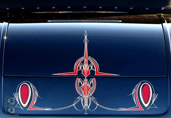 Pinstriping is alive and well