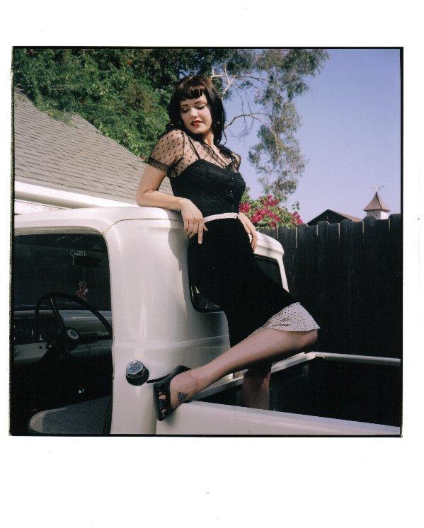 Hot-rod-pinup-model-Heidi-van-horne-sexy pinup girl