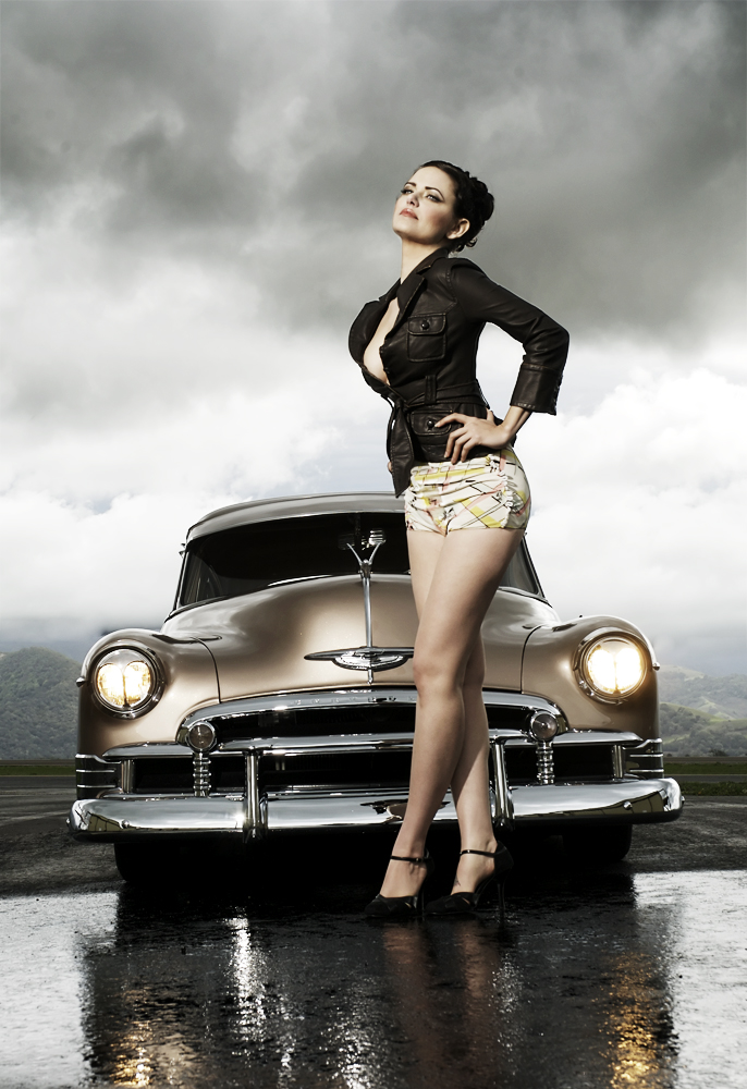 Hot-rod-pinup-model-Heidi-van-horne-lowrider picture