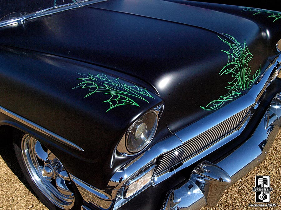 Pinstriping flat black cobweb goodguys