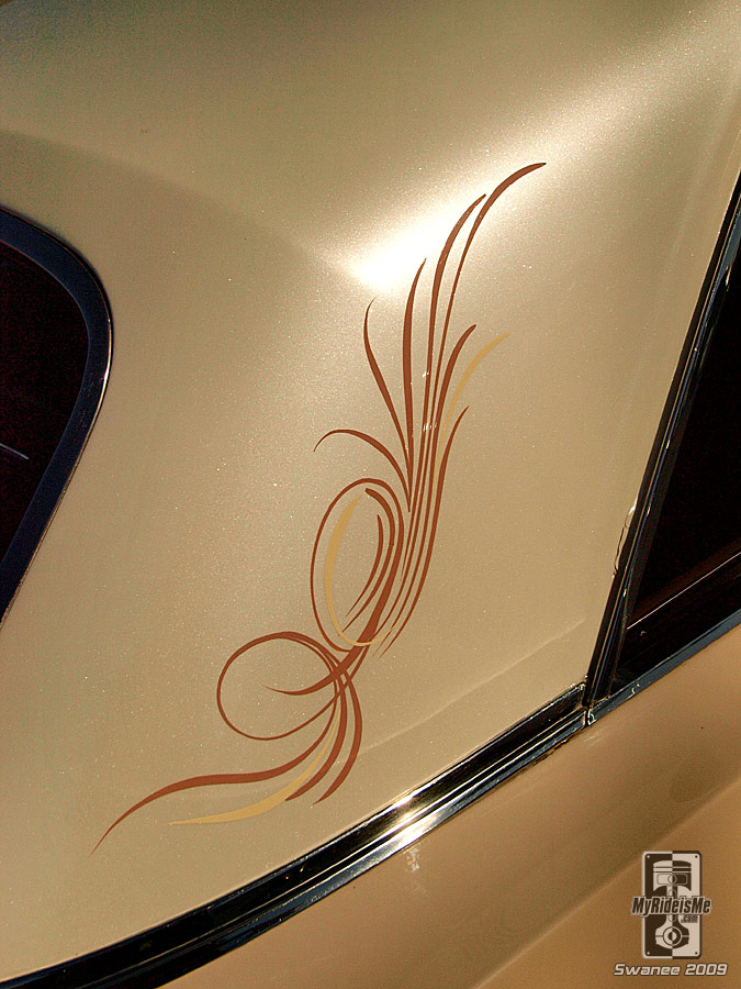 Pinstriping at Goodguys Southwest nationals, hot rods