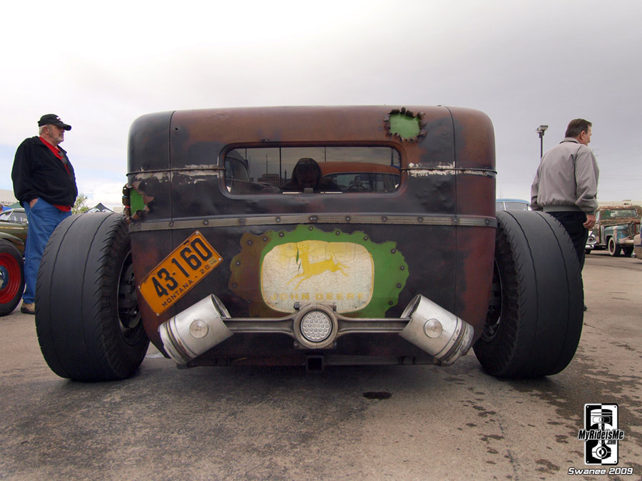 Super low and wide cummins diesel rat rod