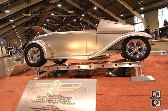 Full-Fendered 32 Roadster 2010 AMBR Grand National Roadster Show
