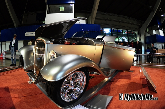 Full-Fendered 32 Roadster 2010 AMBR Contender Grand National Roadster Show