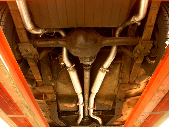 custom.exhaust.howto.underside.straighpipes.B&C Industry, glasspack, muffler, headers, small block Chevy V8