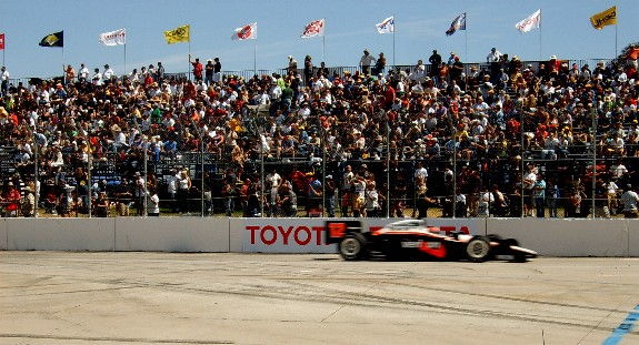 Indycar Passes Crowd at 2010 Grand Prix of Long Beach