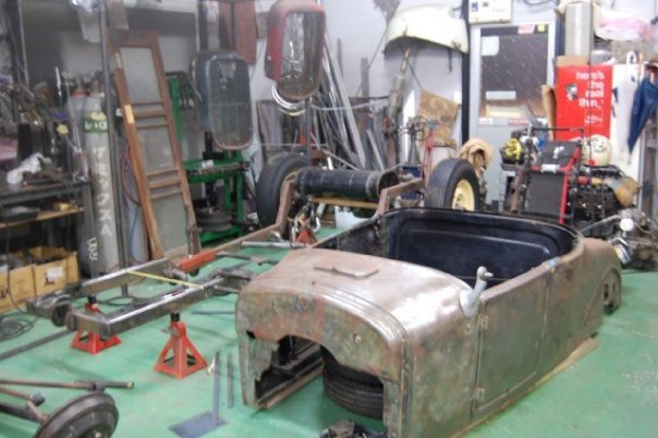 In process build picture of Tano's 1926 T roadster