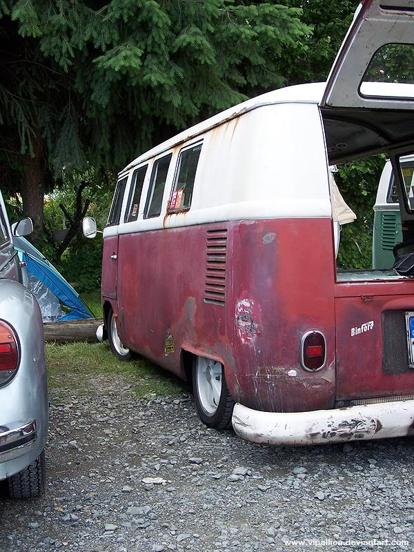 Rusty barndoor Bus in Germany