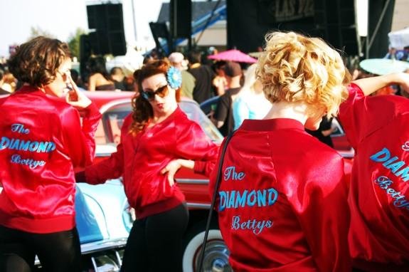 Diamond Bettys Pinup Posing at VLV 13 Shifters Car Show  viva las vegas 2010