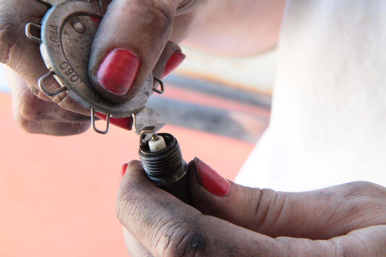 Correctly Gapping A Spark Plug