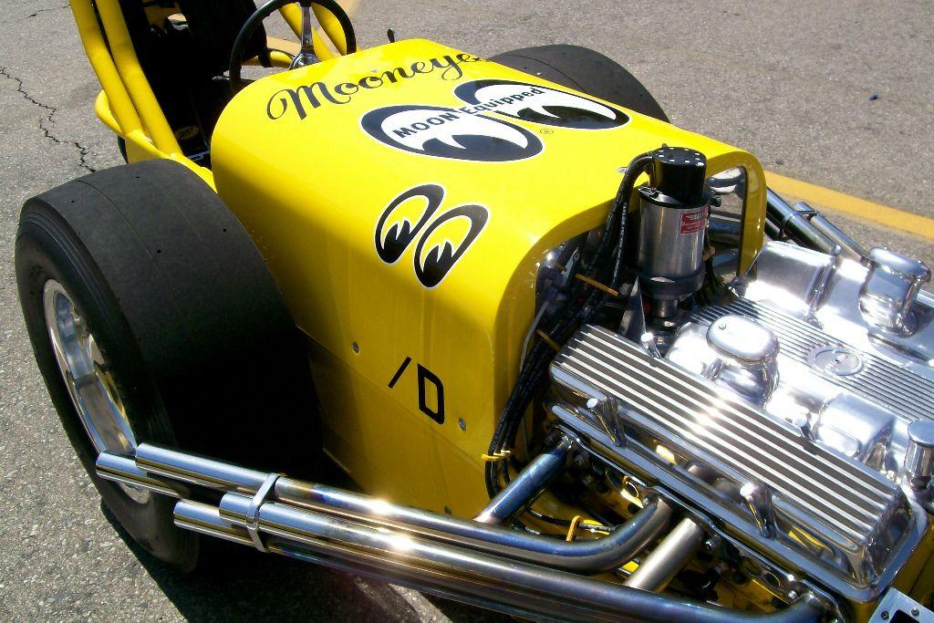 Mooneyes Summer Show and Drag 2010 irwindale speedway racing