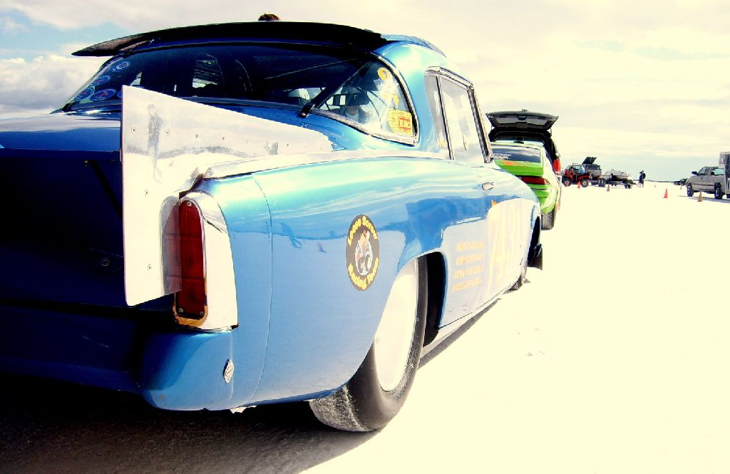 setting.record.at.bonneville.landspeedracing.salt flats