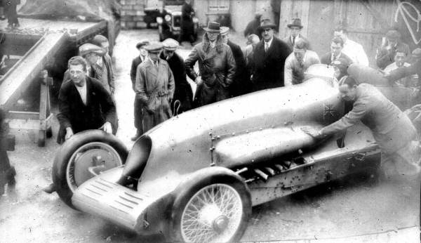 Malcolm Campbell's 1927 Land Speed Record car, Bluebird, land speed racing, motor racing history