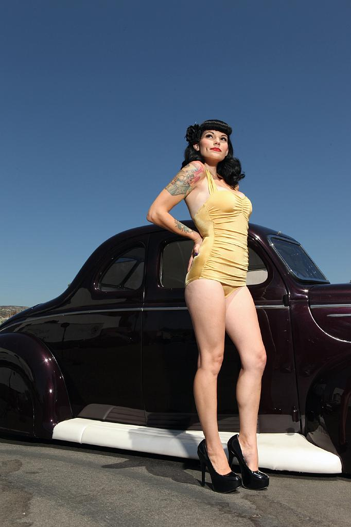 Hot rod, custom cars, pin-up,pinup girls