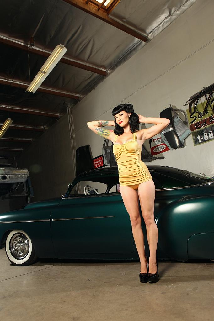 hot rod Pin-ups,garage girls, swimsuit