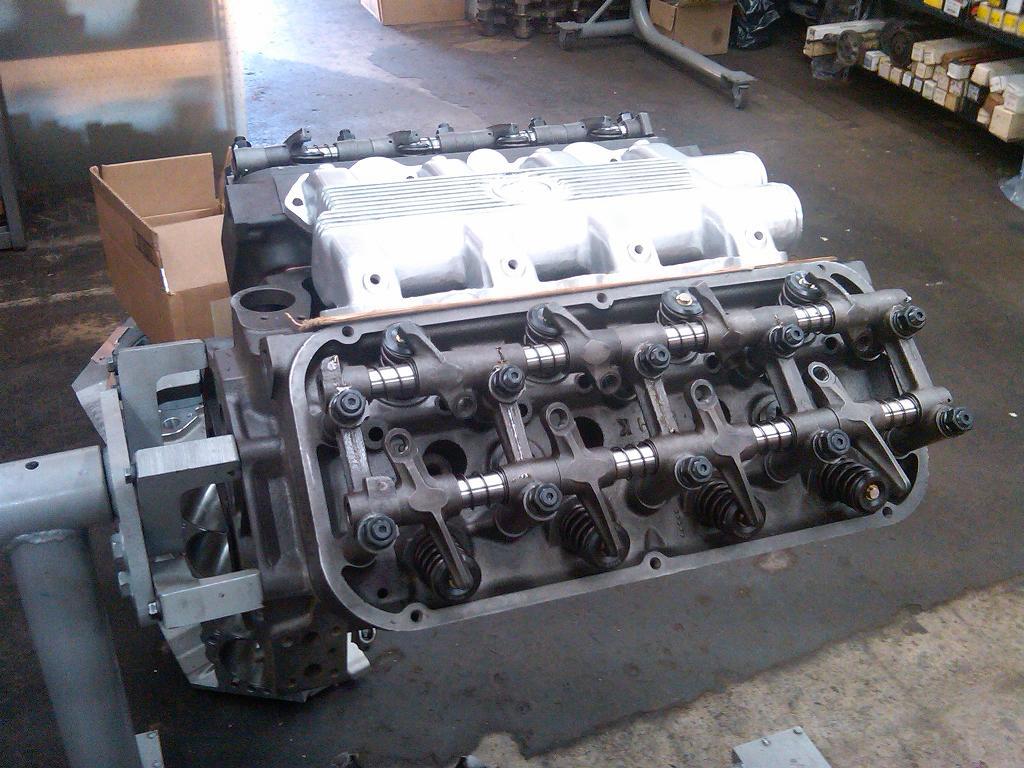 Allard dragster, 354ci Chrysler, Hemi heads, intake manifold
