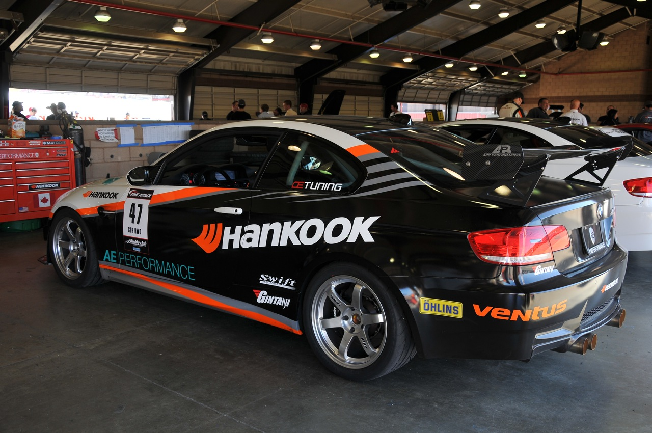 2010 Redline Time Attack, Hankook tires, BMW 135i, pit
