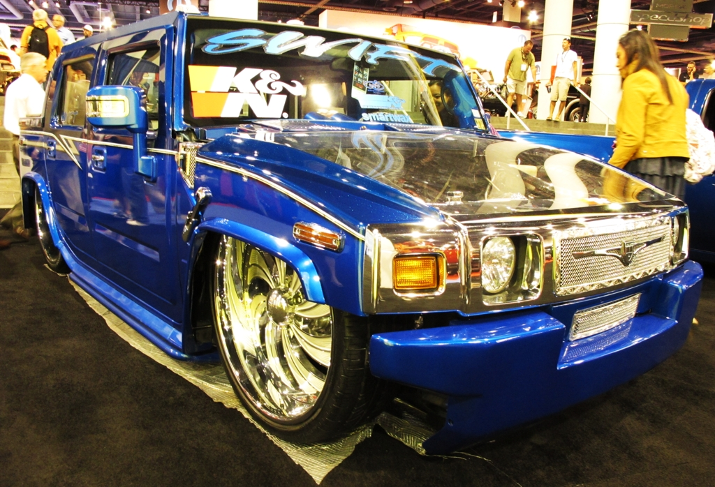 SEMA 2010, SEMA car show, sema show pictures, big wheels, tires, custom hummer