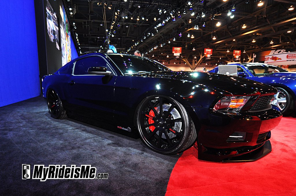 SEMA 2010 car show, lowered 2011 Mustang, Ford mustang sema