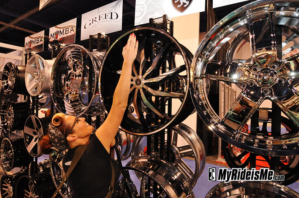 Big Rims, custom car rim, custom car wheels, SEMA show 2010, sema car show las vegas