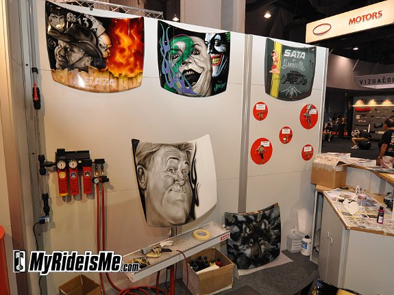 Artists showcase SATA Airbrush work at SEMA