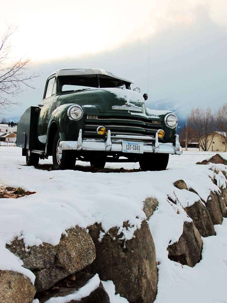 Old Cars in Snow Car Photography | MyRideisMe.com