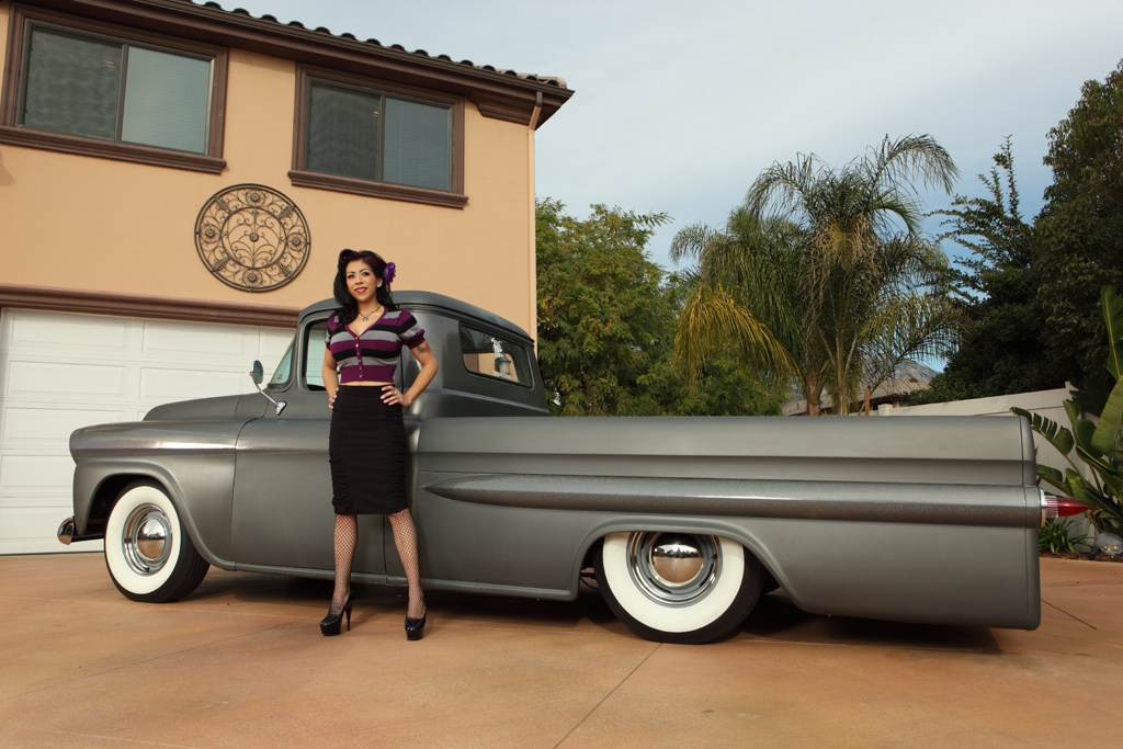 Pin Up Mimi La Minkz with 59 Chevy Apache, Mimi La Minkz Pin Up Model, Pin-Up girl Mimi La Minkz with Chevy, Pinup Model, Hot Rod Model