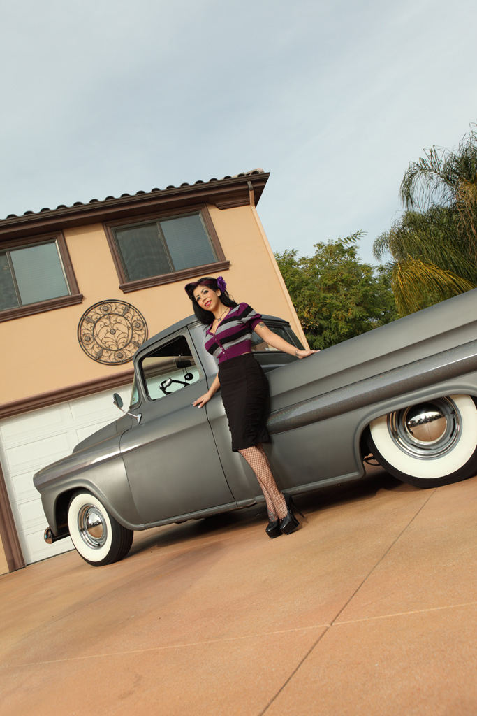 Pinup Girl Mimi La Minkz, Pin-up girl, Pinup Model, Hot Rod Model, Mimi La Minkz Pin Up with 59 Chevy, Tattooed Pin-up