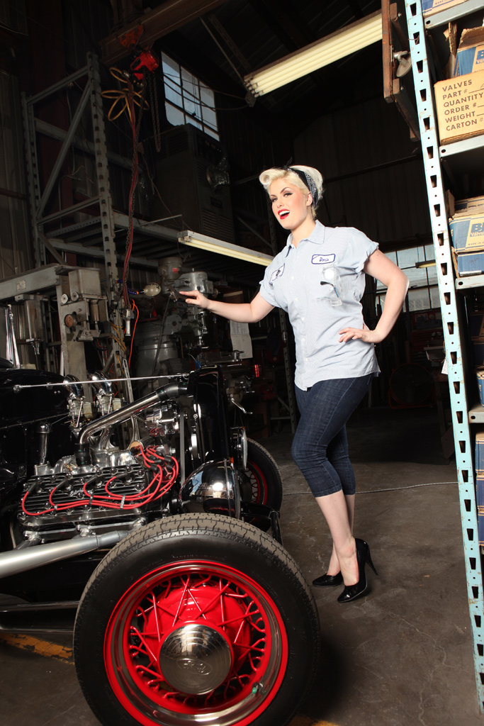 Doris Mayday Garage Girl Pinup, sexy pin-up girl, pin up model, hotrod pinup
