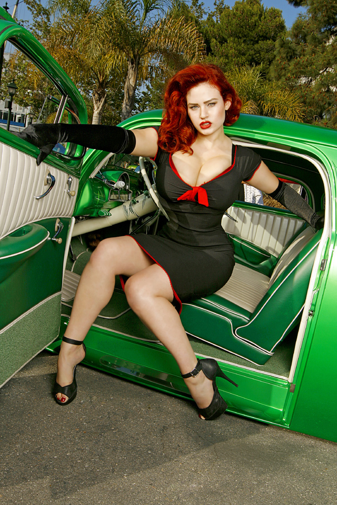 Gia Genevieve at Ink and Iron, Pin Up model Gia Genevieve, Hot rod Pinup Gia Genevieve, Ink and Iron Queen Gia Genevieve, Redhead Pin Up Gia Genevieve