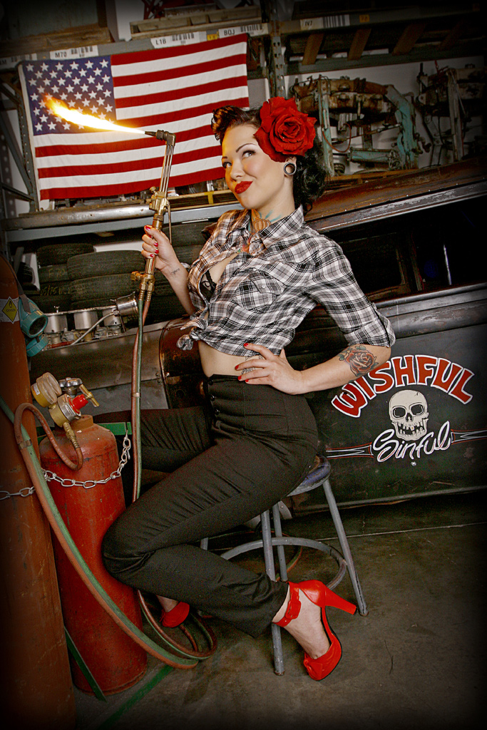 Hot Rod Model Cara Mia, Hot Rod Pin Up, Tattooed Pin Up Model, Tattooed Hot Rod Model
