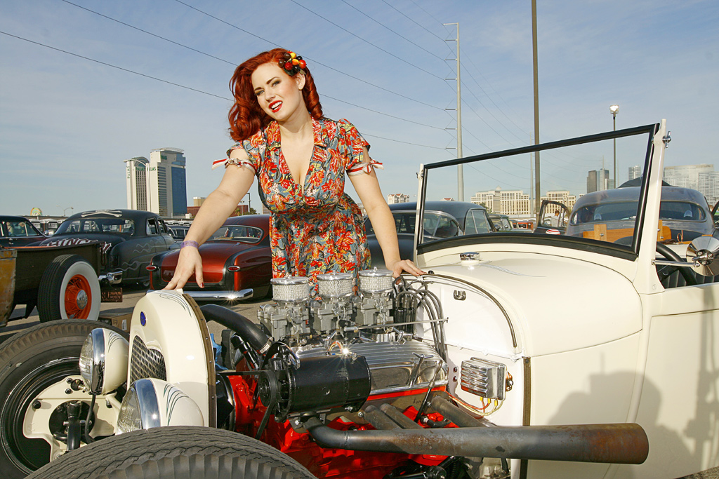 Pin Up model Gia Genevieve, Hot rod pin up Gia Genevieve, Red head Pin Up Girl Gia Genevieve, sexy pinups