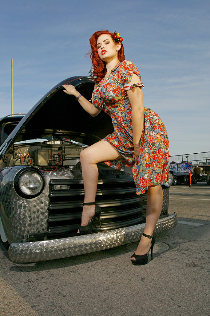 Sexy Hot Rod model Gia Genevieve, Pin Up girl Gia genevieve, Red head pin up Gia Genevieve, Sexy Pin up Model,rat rod pinup Gia Genevieve