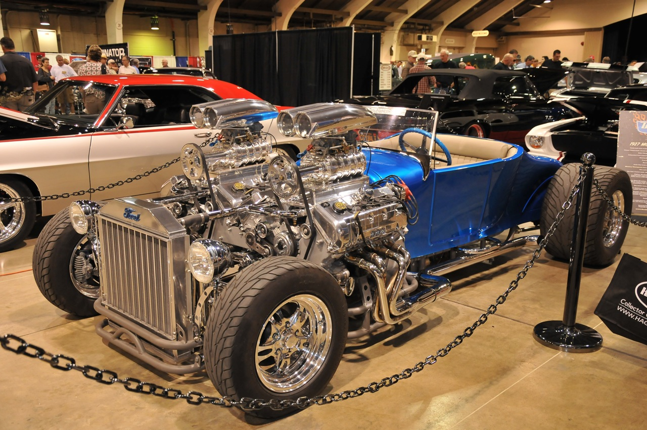 That 2 engine hot rod on Count's show tonight was just bad ass, an