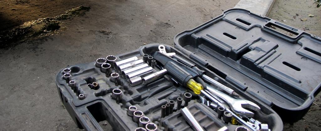 Roadside mechanic tool kit, engine overheating troubleshooting, how-to fix overheating, chevy overheating