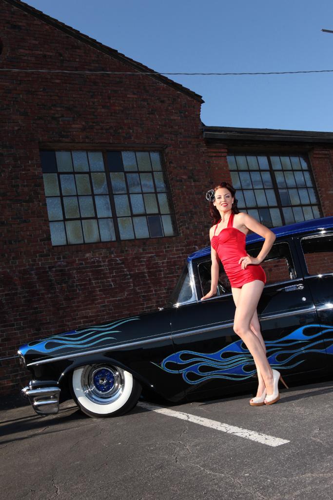 hot rod girls, hot rod pinup girls, pin-ups and cars