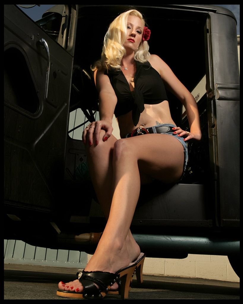 hot rod pinup, pin up photography, hot rod model, hotrod pin up