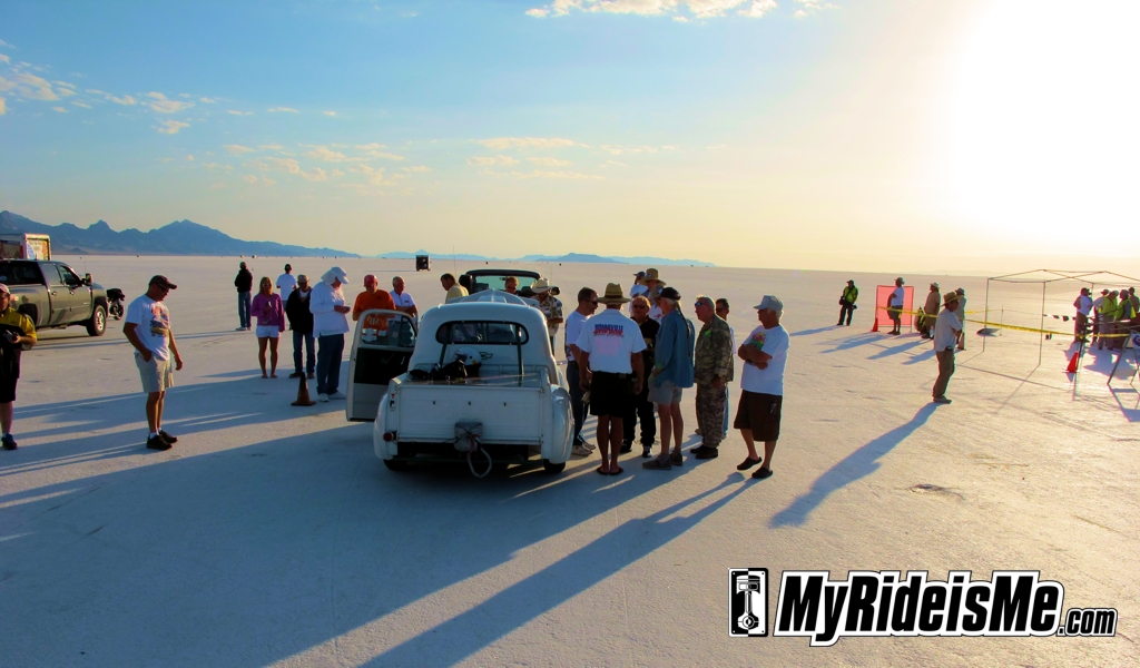 Speed Week 2011, salt flat racing, bonneville salt flats, speedweek 2011, land speed racing, starting line, sunrise
