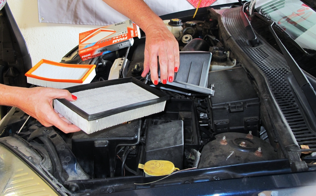 How To Change Air Filter In A 2002 Ford Focus Myrideismerhmyrideisme: Ford Focus Cabin Filter Location At Gmaili.net